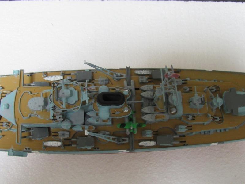 Le Bismarck de chez Revell échelle au 1/570 A210