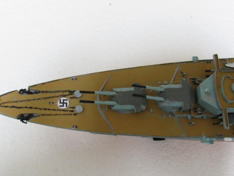 Le Bismarck de chez Revell échelle au 1/570 A310