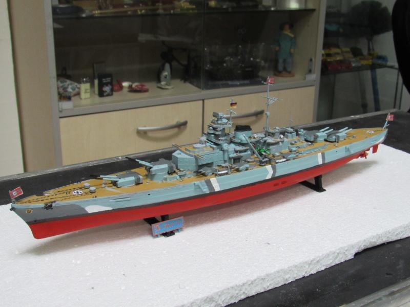 Le Bismarck de chez Revell échelle au 1/570 A610