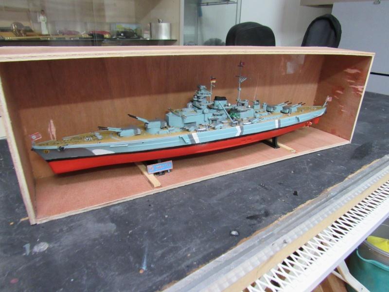Le Bismarck de chez Revell échelle au 1/570 A910