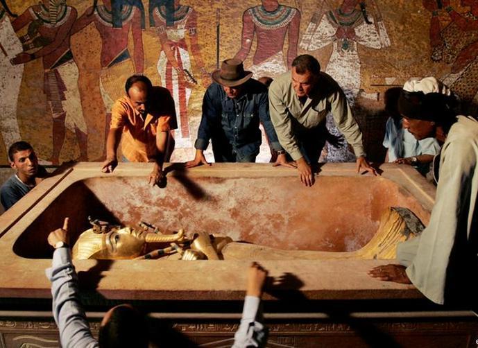 الكشف عن سر جديد في مقبرة توت عنخ آمون في الأقصر 14596012