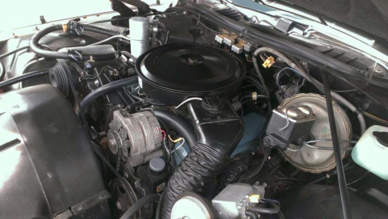 1973 Pontiac Grand Prix - Mint -  17k Miles Engine10
