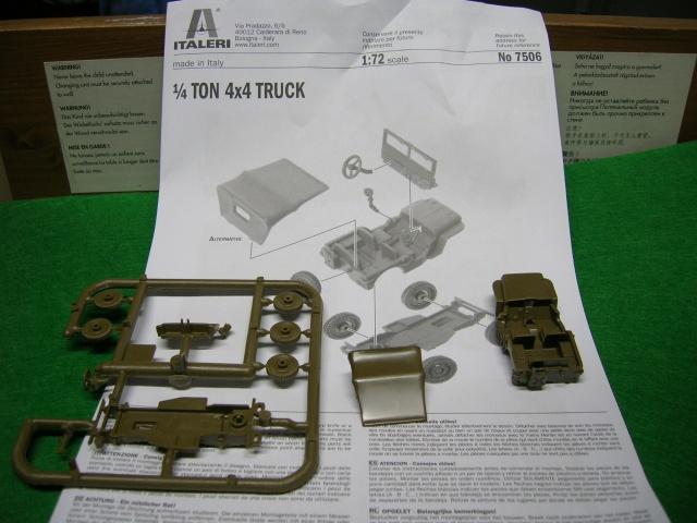 Sherman M4-A1 --ESCI 1/72 plus Jeep 1/4 ton Italeri 1/72 ----FINI------ Dscn4023