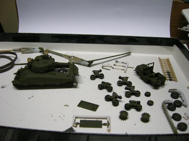 Sherman M4-A1 --ESCI 1/72 plus Jeep 1/4 ton Italeri 1/72 ----FINI------ Dscn4025