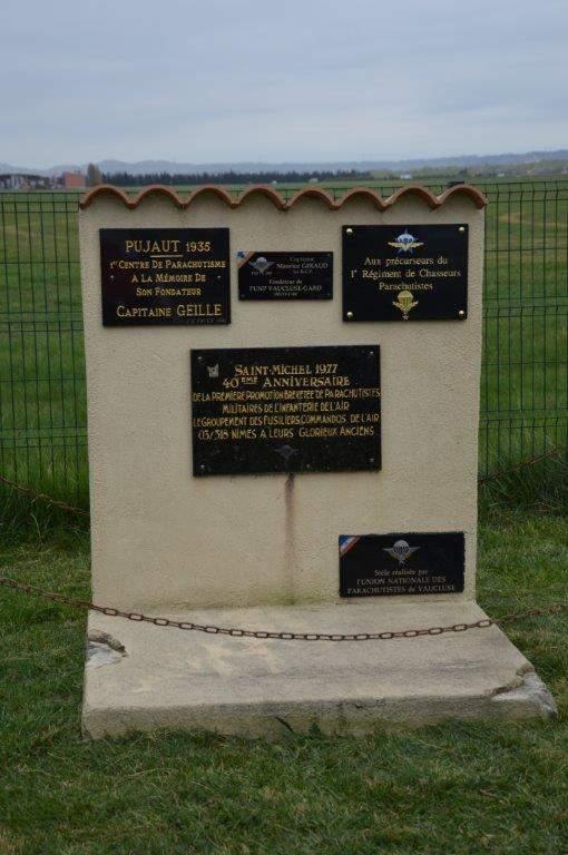 Cérémonie en hommage aux précurseurs du parachutisme militaire Dsc_0011