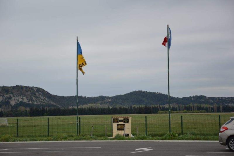 Cérémonie en hommage aux précurseurs du parachutisme militaire Dsc_0012