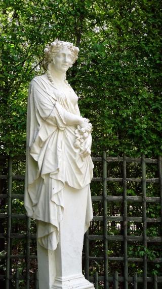 Pomone, nymphe des jardins à Versailles Dsc06617