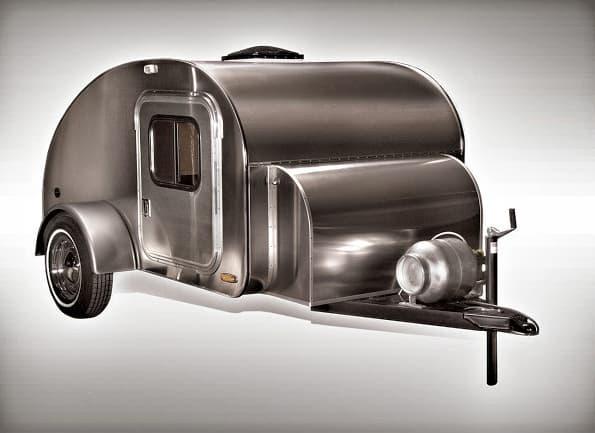 High Camp, une enveloppe de boiseries fines avec une peau d'aluminium High-c10
