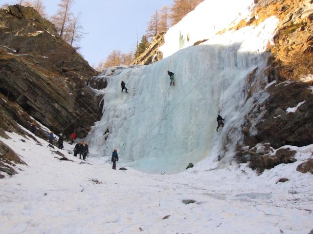 20120124 - COGNE (ITALIA) - PRÁCTICAS EN HIELO 01313