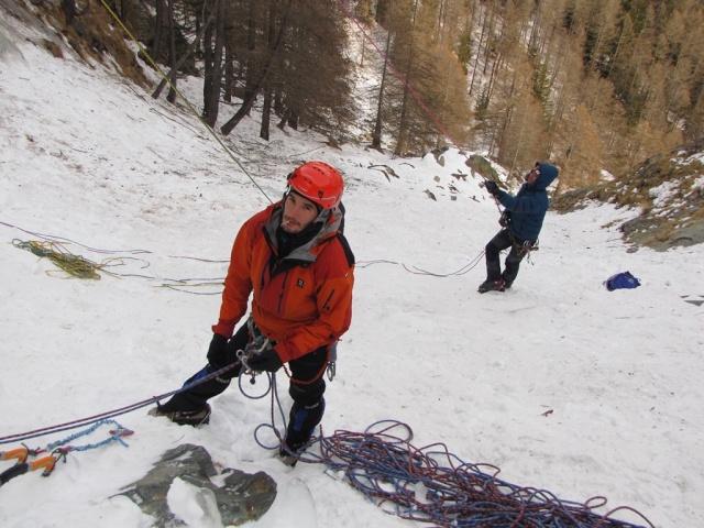 20120124 - COGNE (ITALIA) - PRÁCTICAS EN HIELO 09612