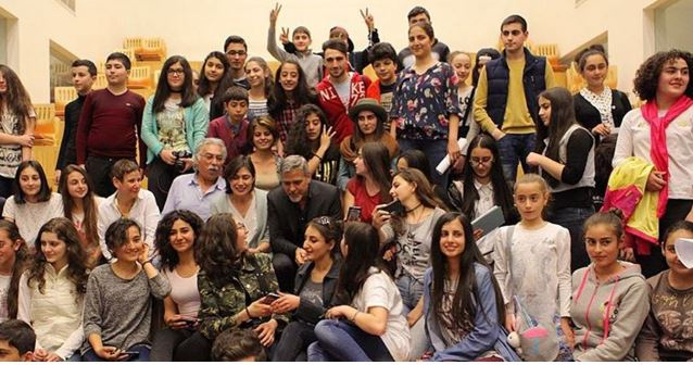 George Clooney visit an Armenian school / Tumo Center / UWC Dilijan College Bb610