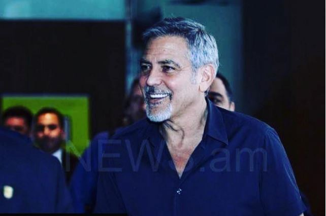George Clooney arrives in Armenia 22. April 2016 Dd10