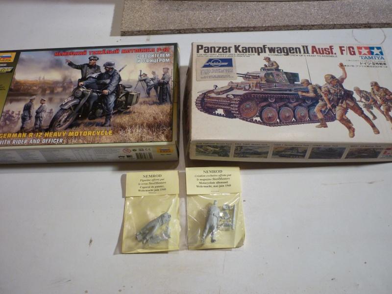 Juin 1940: Panzer II tamiya + moto Zvezda 1/35 + 3 personnages P1050610