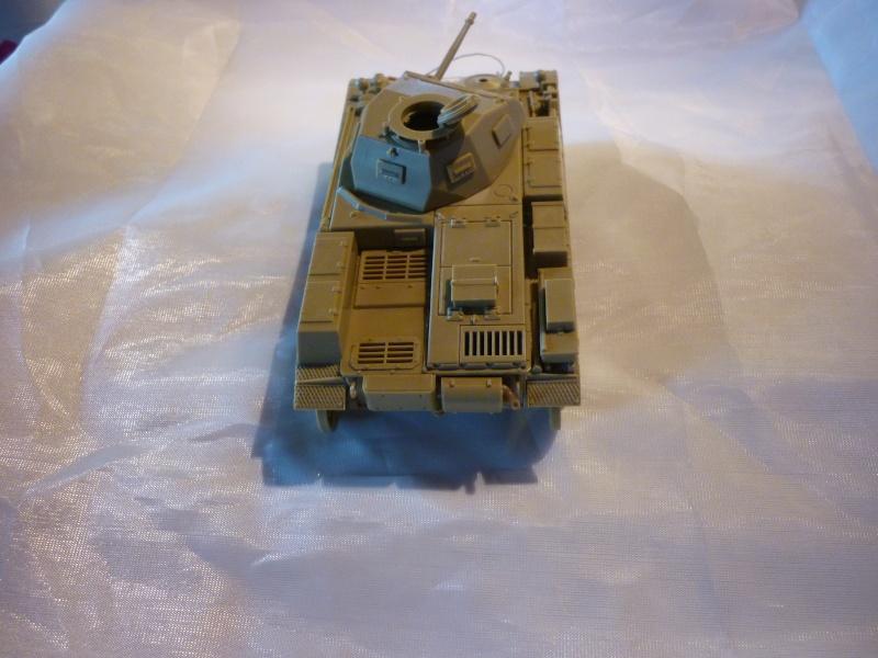 Juin 1940: Panzer II tamiya + moto Zvezda 1/35 + 3 personnages P1050718