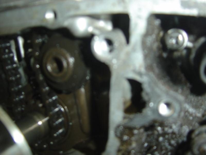 Vis du tendeur de chaine cassée  CB 125 K4 Dsc00315