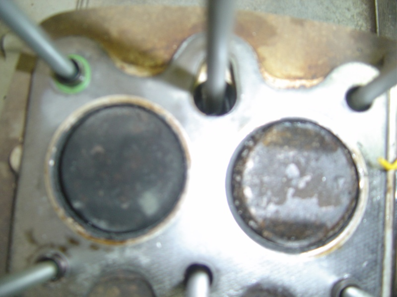 Vis du tendeur de chaine cassée  CB 125 K4 - Page 2 Dsc00319