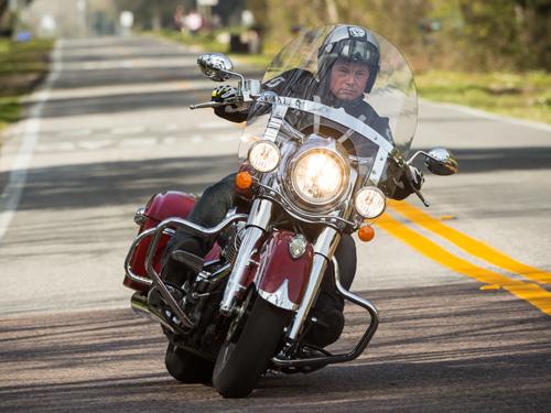 Nouvelle Indian Springfield, la réponse à la H-D Road King Indian12