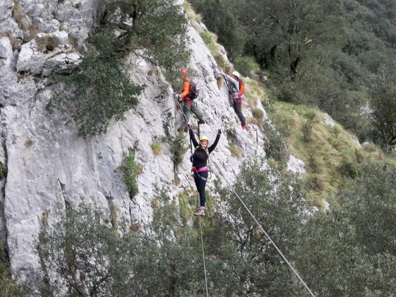 Vía ferrata: 11-13 de marzo 2016- El Cáliz, El Risco y Socueva (Cantabria) 100_1011