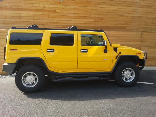 Aimez vous le Hummer en couleur jaune ? 2013-010