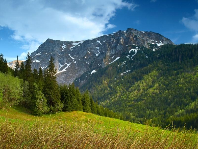 Невысокие горы Eia10