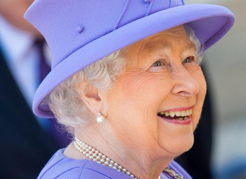 Королеве Елизавете II - 90 E610