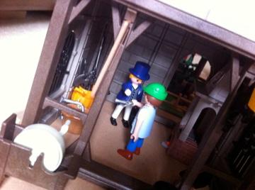 Histoire et boule de gomme... Une affaire de Playmobil.  Choix_11