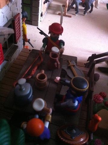 Histoire et boule de gomme... Une affaire de Playmobil.  Espion10