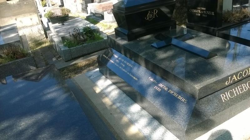 Peut-on rire dans un cimetière ?. Wp_20114