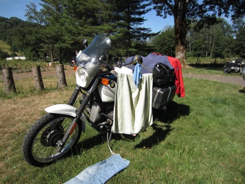 Photos de vous et de votre moto devant ....un château  - Page 12 Img_5710
