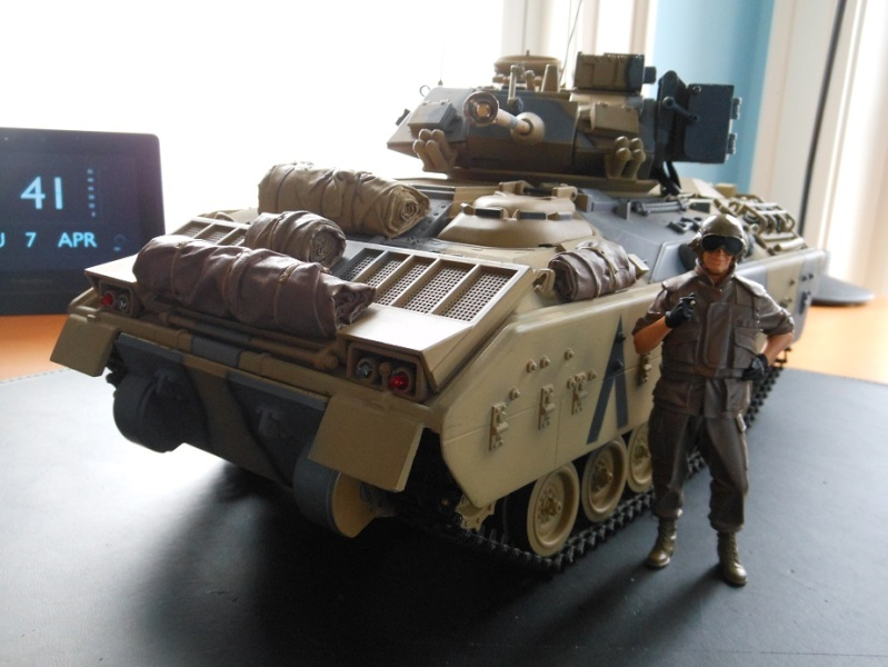 Verlinden Desert Storm US Tanker and M2 Bradley Dscn1413