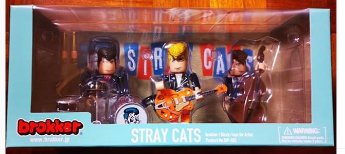 Les stray cats à la maison !! Strayc10