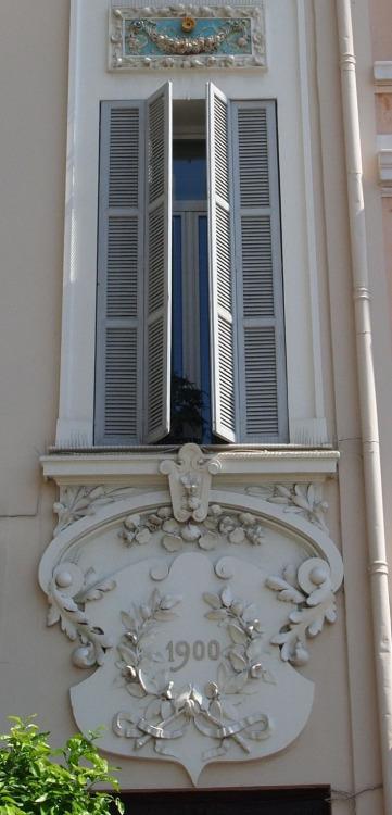 Des fenêtres d'hier et d'aujourd'hui. Fen_0013