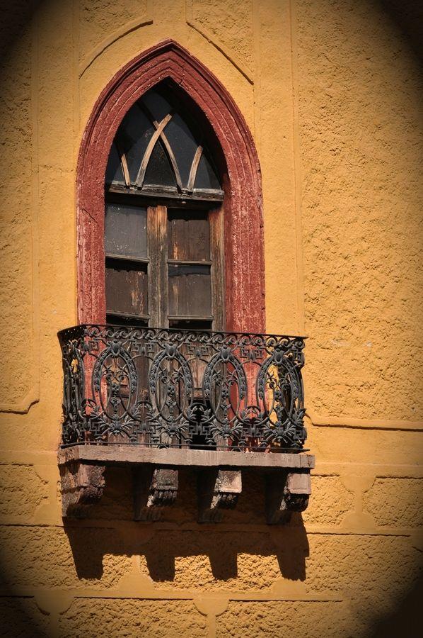 Des fenêtres d'hier et d'aujourd'hui. - Page 40 Fen_0510