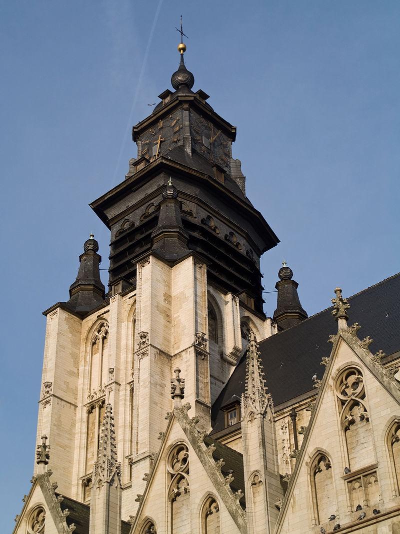 Reçu un beau diapo....Les horloges et pendules des rues..... - Page 24 Hor_br10