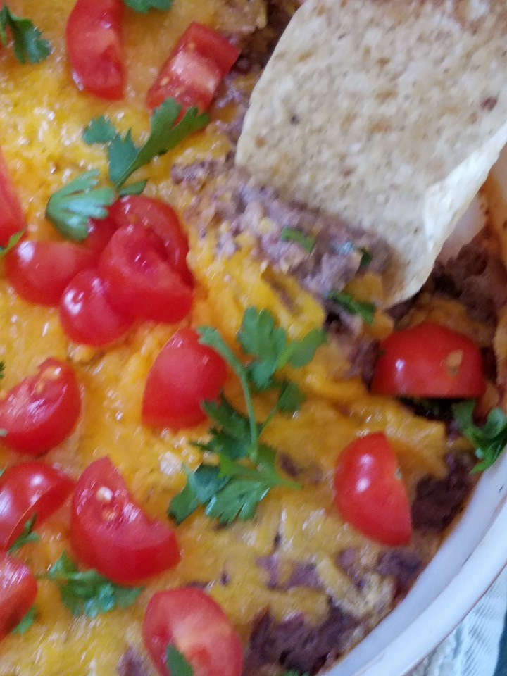Do Not Go to the Grocery Store Dip AKA: Easy and Healthy Black Bean Dip Dip_ba10