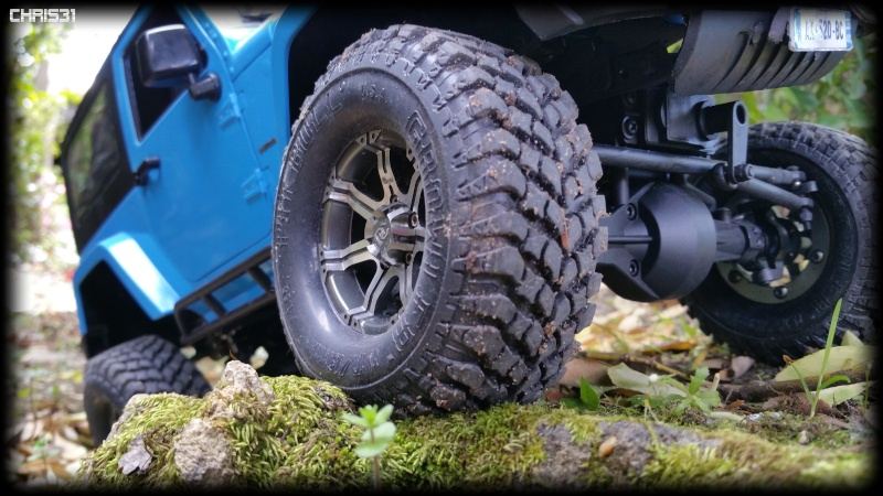 [Axial SCX10] Chris Customs.  Jeep Wrangler Hydro Blue 810