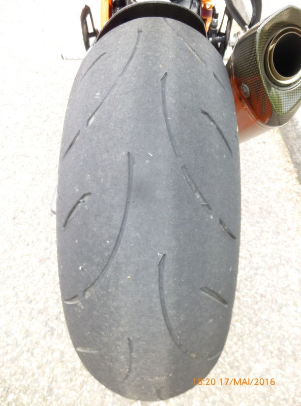 [PNEUS] Combien de kms faite vous avec vos pneus  P1070013