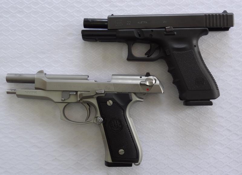 """Side by Side: Beretta """"92FS Inox"""" vs Glock """"G22 gen 3""""  1-1-si10"""