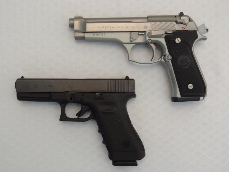 """Side by Side: Beretta """"92FS Inox"""" vs Glock """"G22 gen 3""""  1-side10"""