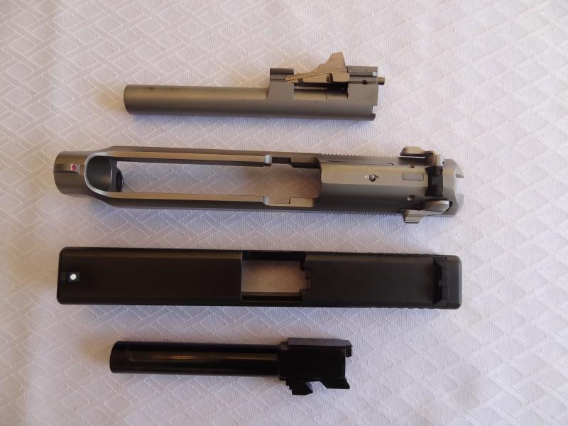 """Side by Side: Beretta """"92FS Inox"""" vs Glock """"G22 gen 3""""  16-sli10"""