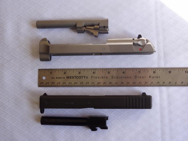 """Side by Side: Beretta """"92FS Inox"""" vs Glock """"G22 gen 3""""  16-sli11"""