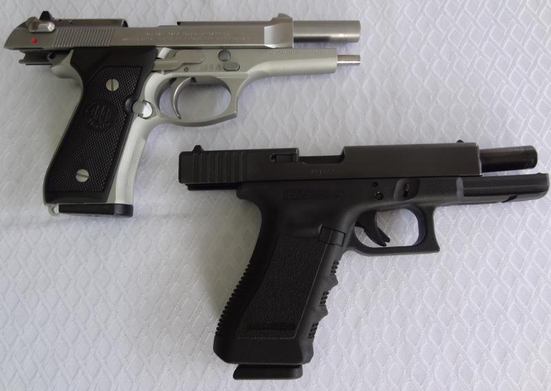 """Side by Side: Beretta """"92FS Inox"""" vs Glock """"G22 gen 3""""  2-1sid10"""