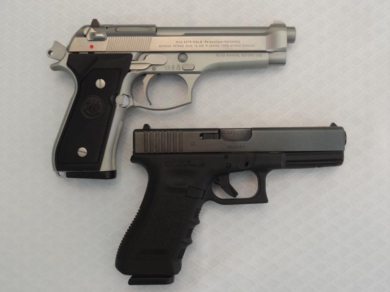 """Side by Side: Beretta """"92FS Inox"""" vs Glock """"G22 gen 3""""  2-side10"""