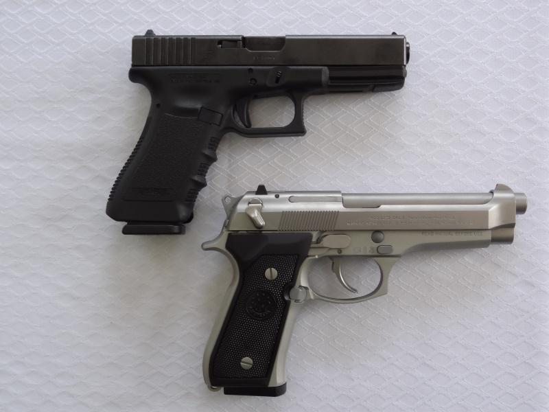 """Side by Side: Beretta """"92FS Inox"""" vs Glock """"G22 gen 3""""  2-side11"""