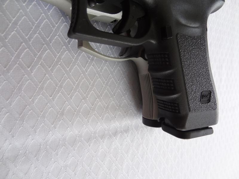 """Side by Side: Beretta """"92FS Inox"""" vs Glock """"G22 gen 3""""  21-for11"""