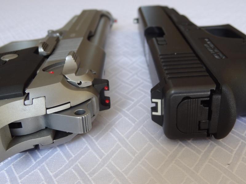 """Side by Side: Beretta """"92FS Inox"""" vs Glock """"G22 gen 3""""  6-flat10"""