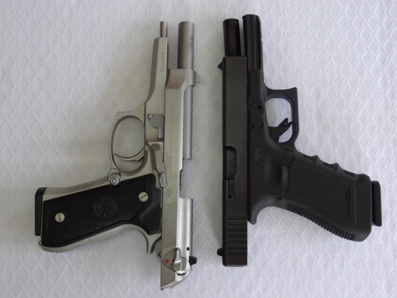 """Side by Side: Beretta """"92FS Inox"""" vs Glock """"G22 gen 3""""  7-flat11"""