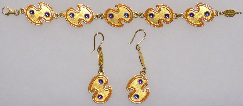 Necklace, Bracelet and Earrings for gold donation Bracel10