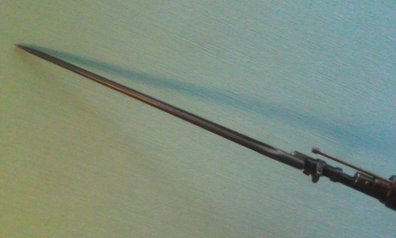Quelques baïonnettes montées sur leurs armes - Page 10 Photo020