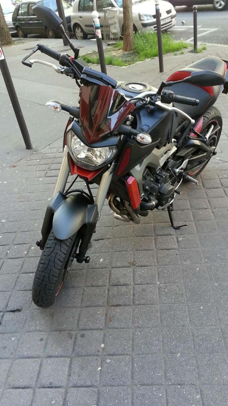 MT 09 MOTO CAGE : Mat Grey noire et rouge ;-) - Page 2 Dsc_0611